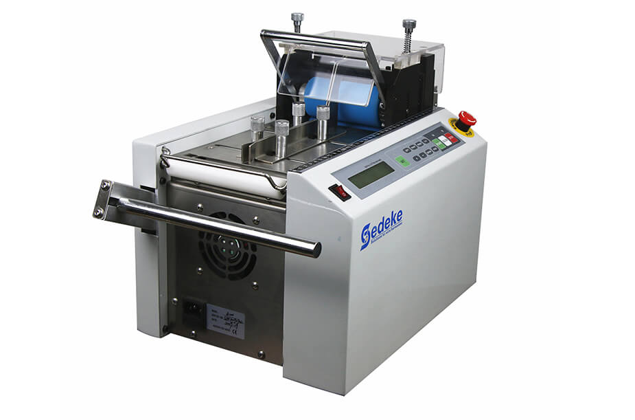 EC-6100 Automatic Sleeve Cutting Machine